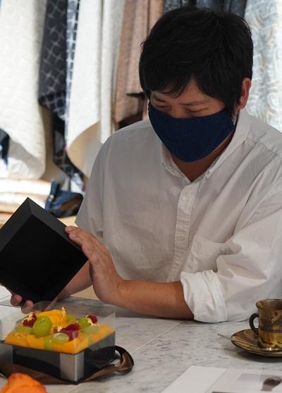 Kiwakoto本店にて、庄司さんのケーキを実際に見せていただき、その感動を体験しました。